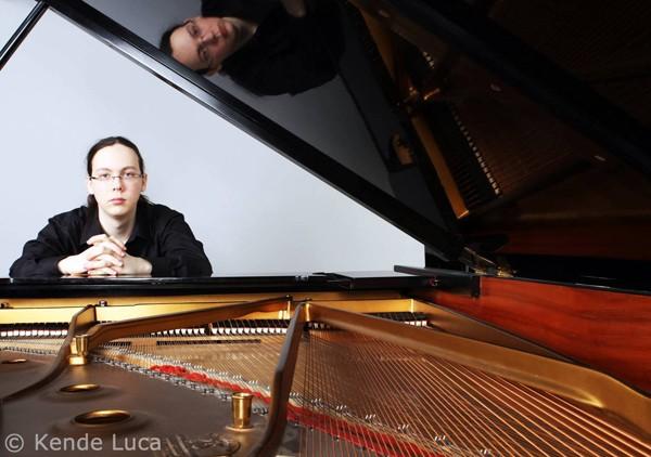 Kocsis Krisztián zongora koncertje a PostART-on